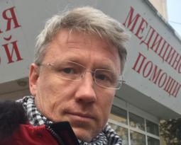 Консультация в ЦРБ г. Одинцово реаниматологом мужчины 28 лет с левосторонней пневмонией для оценки возможности перевода и госпитализации в стационар г.Москва.